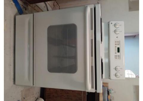 GE electric range/stove (as is)