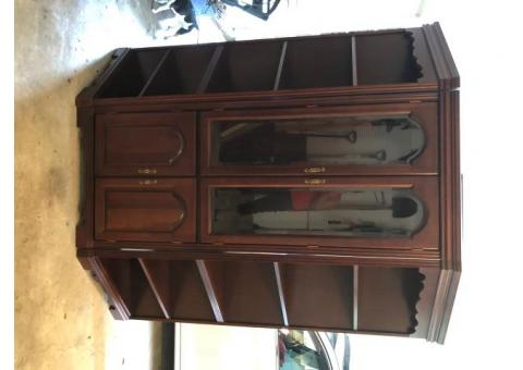 Cabinet with 2 detachable units